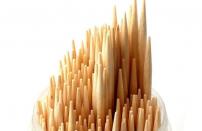 小技巧,如何分辨圆筷是不是卫生?