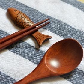 湖南竹筷厂家教您怎么选择筷子?