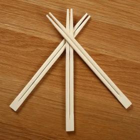 简单辨别什么样的一次性筷子不能用
